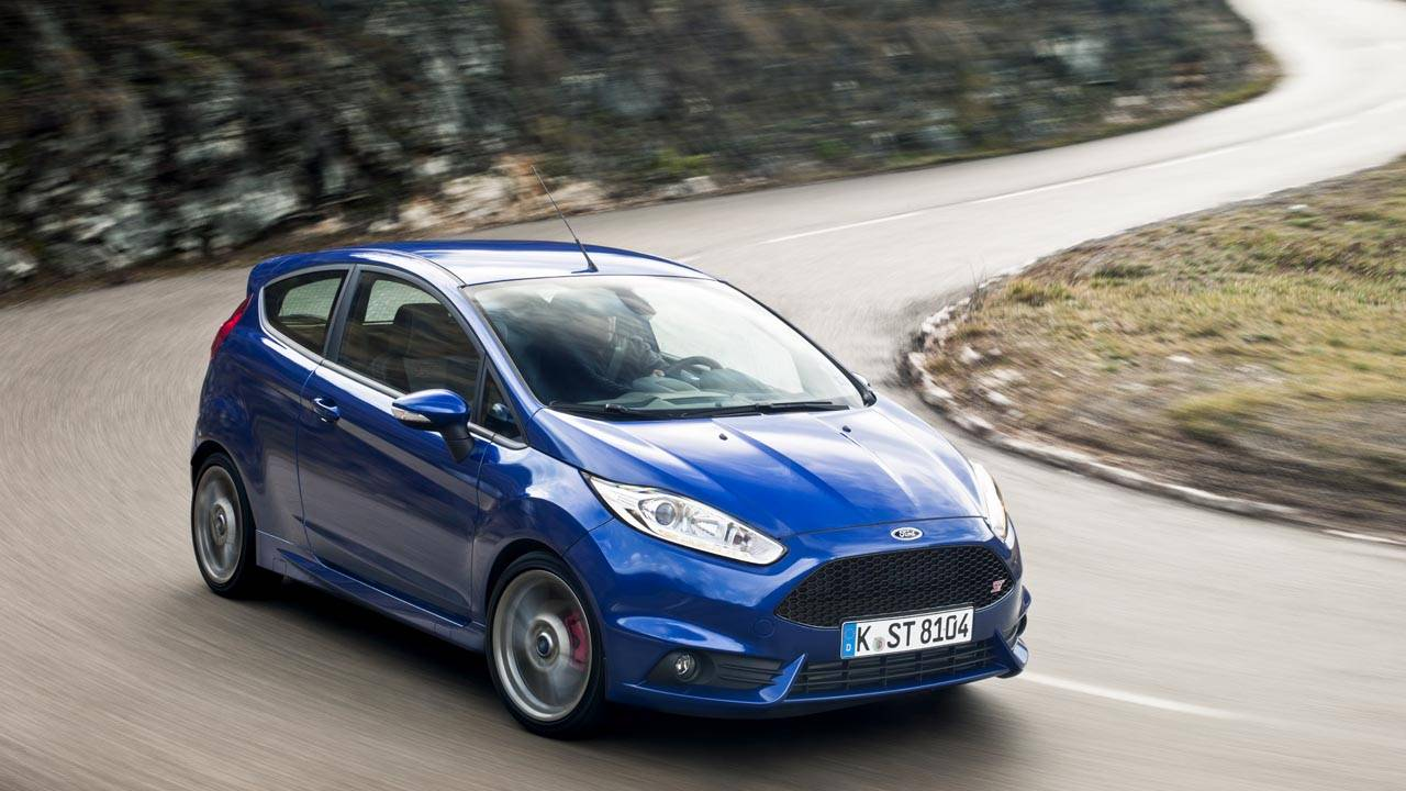 2014 Ford Fiesta St Driving The Ford Fiesta St Hot Hatch