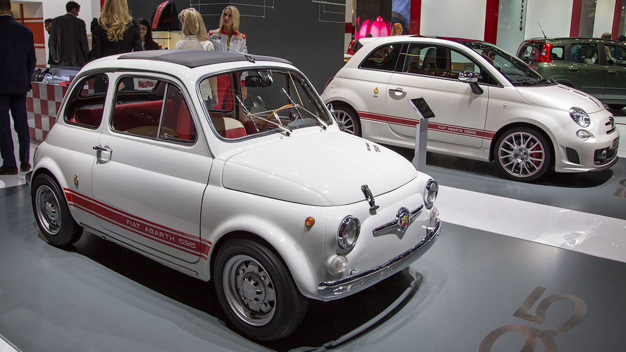 2014 fiat 500 abarth 595 edition photos r t 2013 frankfurt motor show slideshow. Black Bedroom Furniture Sets. Home Design Ideas