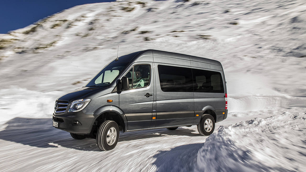 4x4 mercedes benz sprinter van first looks