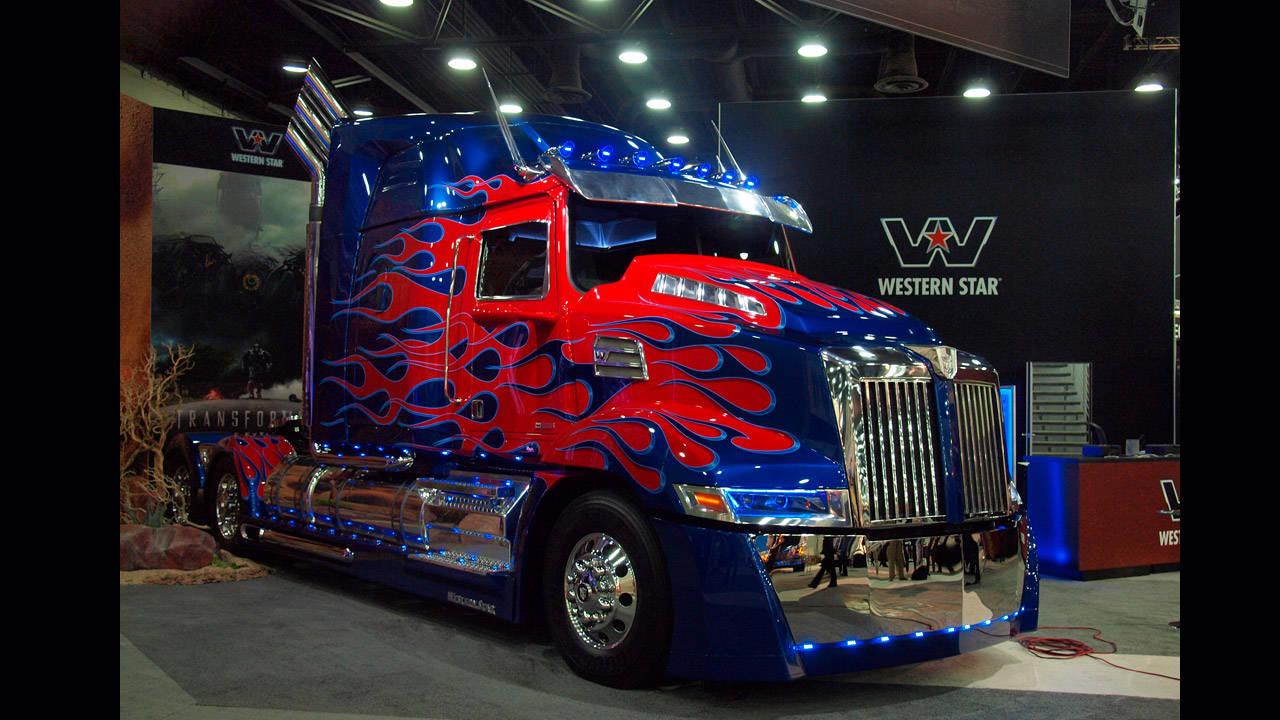 Optimus Prime In Detail Mid America Truck Show Photos