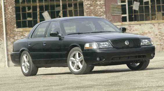 2003 mercury marauder first drive full review of the new 2003 mercury marauder. Black Bedroom Furniture Sets. Home Design Ideas