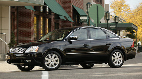 View the latest first drive review of the 2005 Ford Five Hundred