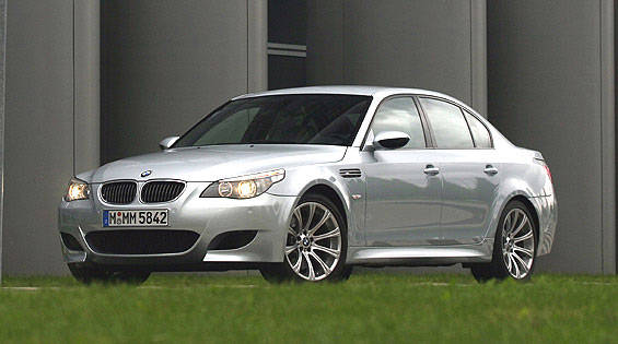 2006 bmw m5 bmw m5 first drive review. Black Bedroom Furniture Sets. Home Design Ideas