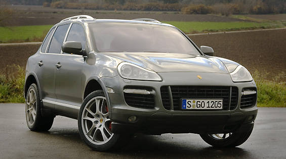 view the latest first drive review of the 2008 porsche cayenne find pictures and comprehensive. Black Bedroom Furniture Sets. Home Design Ideas