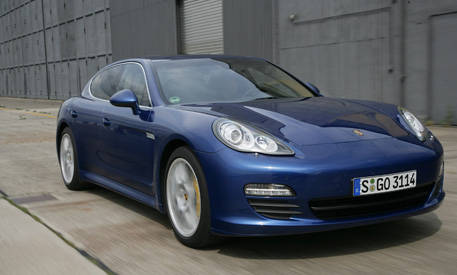 review of the new 2010 porsche panamera full new car details. Black Bedroom Furniture Sets. Home Design Ideas