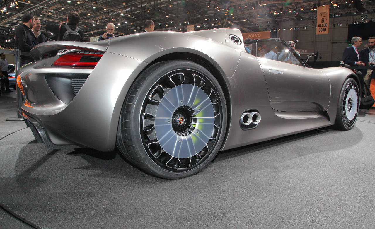 video porsche 918 spyder concept. Black Bedroom Furniture Sets. Home Design Ideas