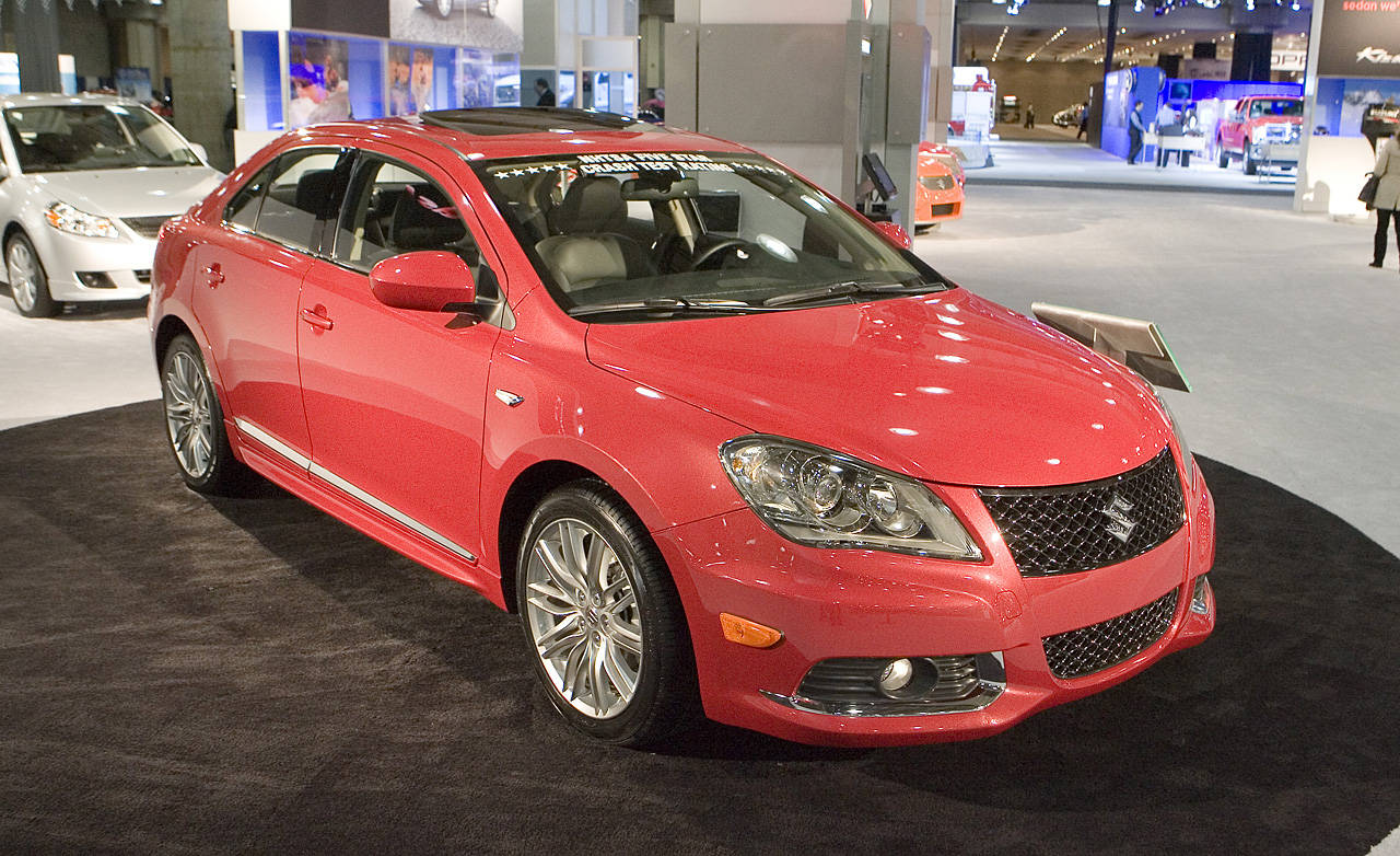 2011 suzuki kizashi sport gts at 2010 new york auto show. Black Bedroom Furniture Sets. Home Design Ideas