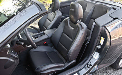 2011 mustang gt convertible vs 2011 camaro ss convertible. Black Bedroom Furniture Sets. Home Design Ideas