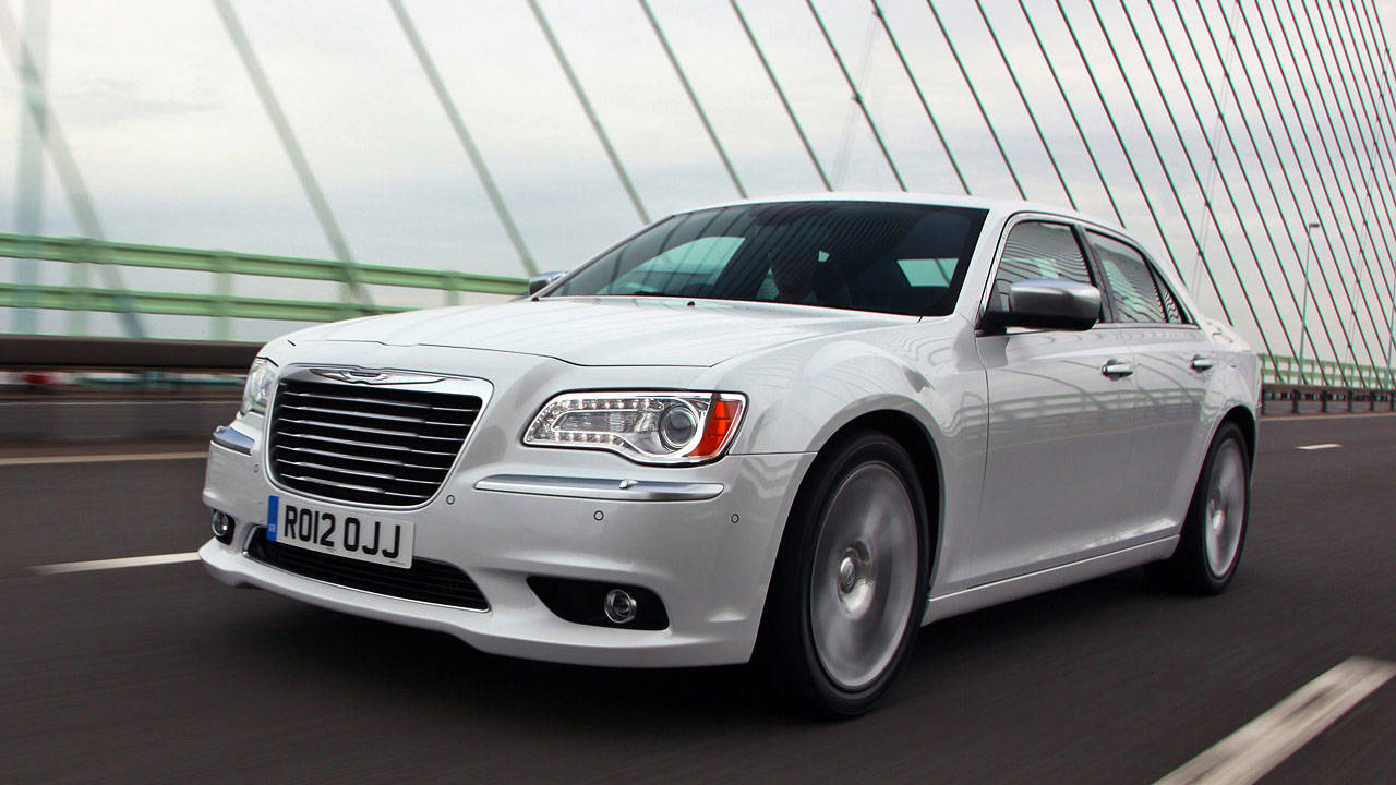 2012 chrysler 300c review photos specs. Black Bedroom Furniture Sets. Home Design Ideas