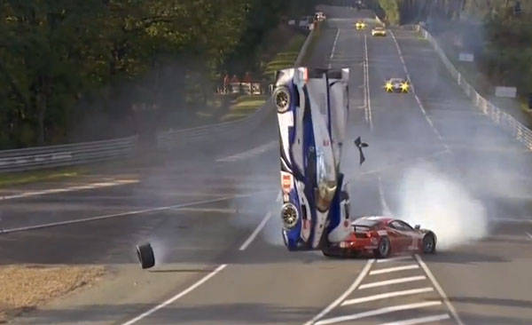 video toyota ts030 hybrid flips in le mans crash 2012 24 hours of le mans. Black Bedroom Furniture Sets. Home Design Ideas