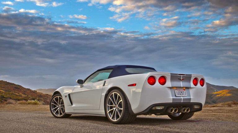 546b7a535bd5f_-_2013-chevrolet-corvette-427-convertible-01-1-lg.jpg