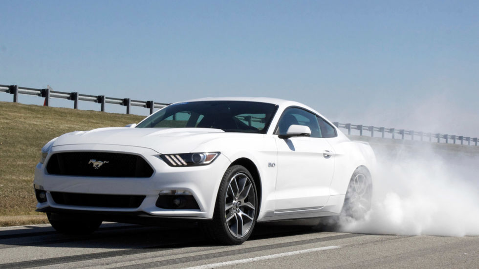 commence burnouts 2015 mustang gt gets standard line lock - 2015 Ford Mustang Gt Convertible White