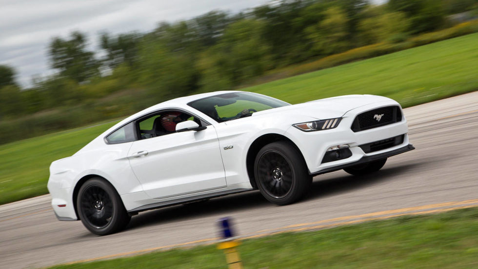 first impressions 2015 ford mustang gt there will be no for a mustang disclaimers this time - Ford Mustang Gt 2015 White