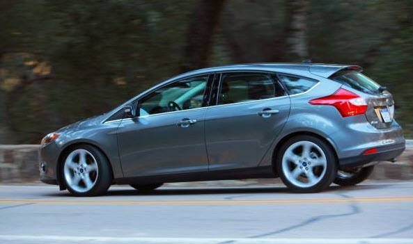 driven 2012 ford focus 5 door hatchback titanium. Black Bedroom Furniture Sets. Home Design Ideas