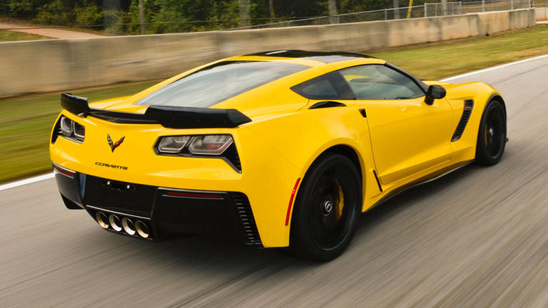 2016 Corvette ZR1 yellow color front view - carawesome.com   Foto ...