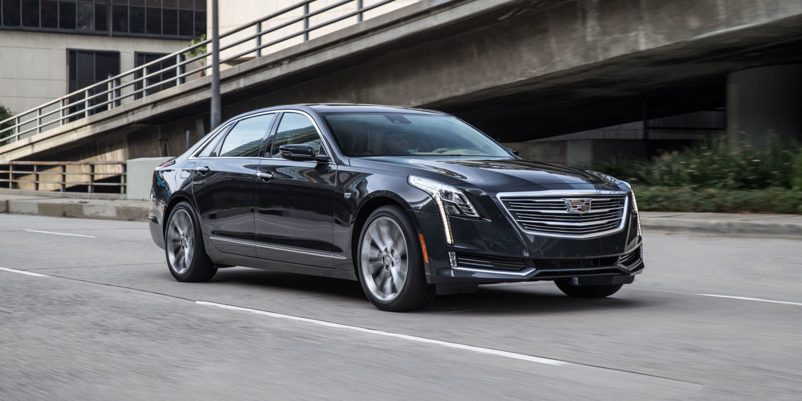 The 2017 Cadillac CT6 Doesn't Want to be a BMW